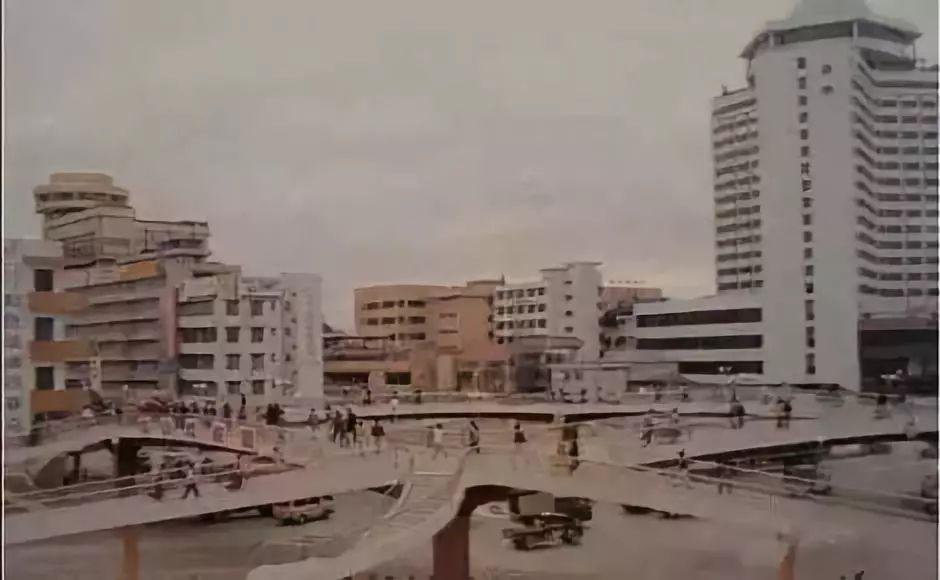 1989年11月,中山首座人行天桥——西郊人行天桥