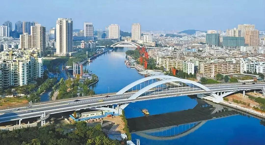 2008年,省委书记汪洋到中山市进行专题调研。