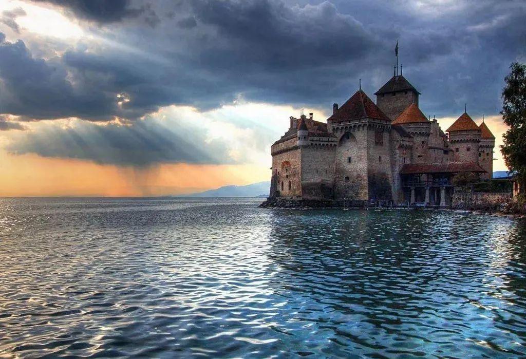 西庸城堡|欧洲最美的水上城堡
