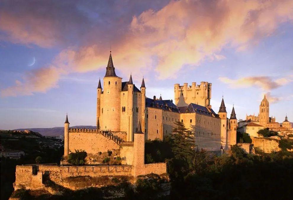 西班牙塞哥维亚城堡|欧洲最雄伟的城堡